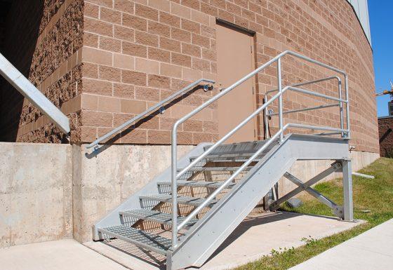 Construction et montage d'escaliers galvanisés
