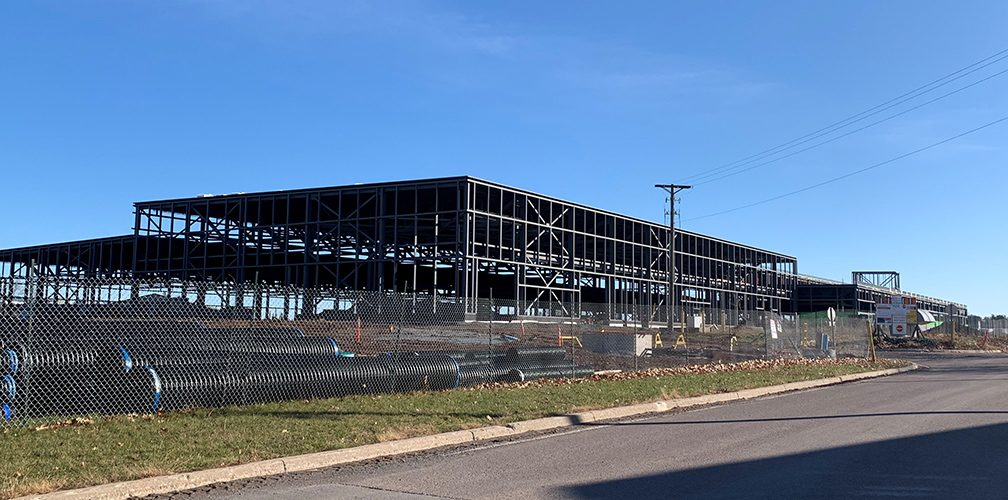 Fabrication and Installation of structural steel : 225,960 ft2 / 2029 tons